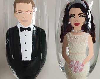 Bride and Groom champagne glasses, Handpainted, personalised wedding gift, hand painted, champagne flutes, prosecco glasses, wedding present