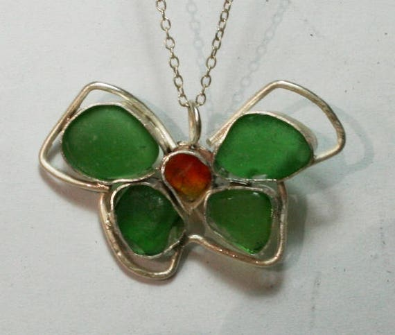CHRISTMAS BOW PENDANT - Red and green seaglass set in Sterling silver