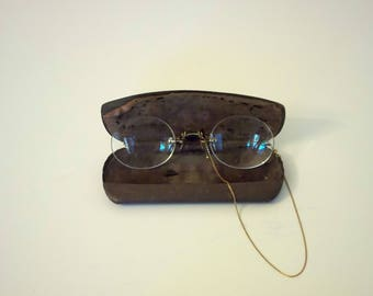 RESERVED Pince Nez Eyeglasses Yellow Gold Filled Spring Nose Pads with Chain and Case, Antique  Spectacles, Metal Case and Velvet lining