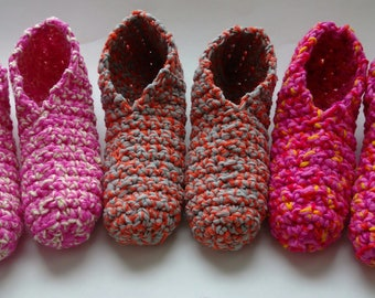 Phentex Slippers Old Fashioned Grand-mother with Random colors  / Pantoufles en phentex style grand-mère aux couleurs aléatoires