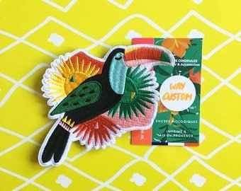 Toucan France embroidered patch. Fusible. Exotic and tropical to stick on a jacket, dress, tshirt or a pair of jeans.