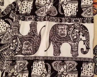 Back & White Elephant Leggings