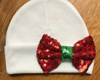Baby hat Beanie. White Hat with Red/green sequin Bow. Great Gift. Perfect Going Home Hat! Fits 0-6 Months. Mom will love. Cute!