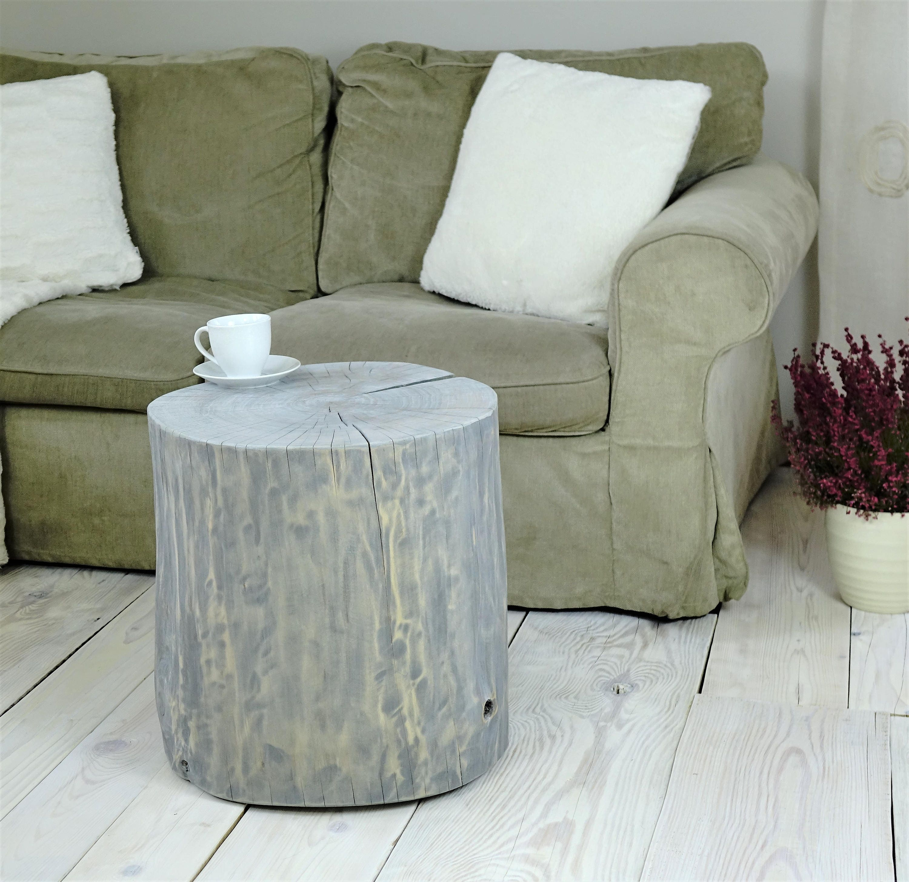 gray washed tree stump side table style stump table wooden stump table baumstamm tisch sgabello ceppo di legno