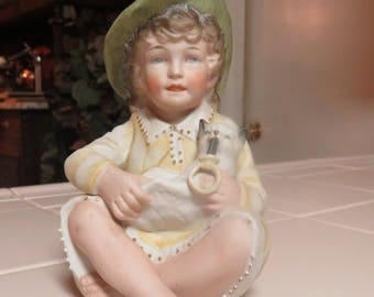 Gorgeous Vintage Porcelain Figurine Of Girl And Her Cat