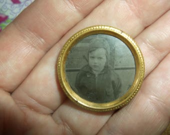 Antique Mourning Brooch, Tin Type Photo of Young boy in Round Frame, Mourning Photo frame Pin, Mori, Mourning jewelry, Made in Holland