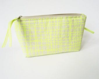 CROSSHATCH Pouch