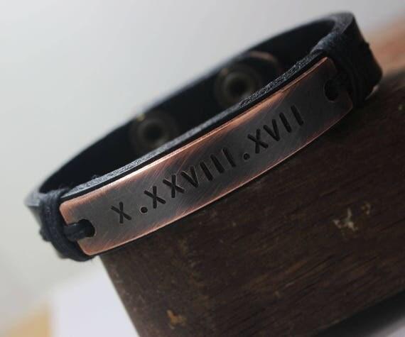 chiffre romain mens personnaliser bracelet bracelet en cuir. Black Bedroom Furniture Sets. Home Design Ideas