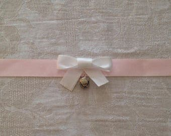 Simple Bow Collar