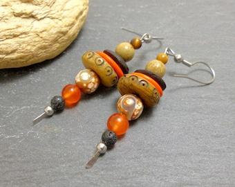 Boucles d'oreille ethniques bohèmes  beige oranges, matières naturelles (BO26)