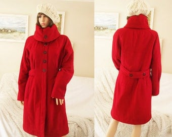 Ladies 90s bright red Winter wool Coat Padded warm red coat Shot satin lining Red wool coat Fantastic condition Full length red wool coat