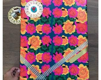 Manushka Floral Toss Gift Wrap