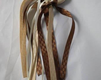 Hochet03 - Montessori inspired beige and Brown teething rattle