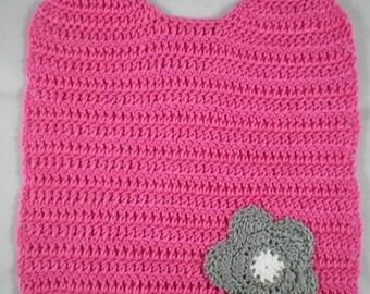Bavoir008 - Pink bib and her flower gray crochet