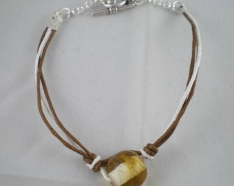 Bra036 - Brown and white Bracelet with round bead