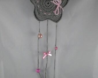 Deco003 - Grey and pink star crochet hanger