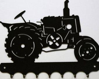 Hangs 26 cm pattern metal keys: old tractor