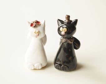 Cat Cake Topper, Cat Couple, Wedding Cake Topper, White and Black Cat, Married Couple, Wedding Gift, Ceramic Cake Topper by Her Moments