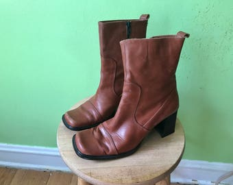 Vintage Brown Chunky Boots 1990s Chelsea Boots 90s GUESS boots Brown Leather Boots BOHO zip up boots womens size 8