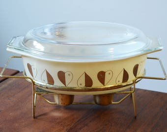 Pyrex 1959 Golden Hearts Deluxe Cinderella Casserole Dish with cradle and lid 045 Pale Yellow with Golden Hearts
