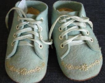 Antique Felt Baby Shoes, Blue Antique Baby Shoes, 1940's Baby Shoes with Embroidered Flowers