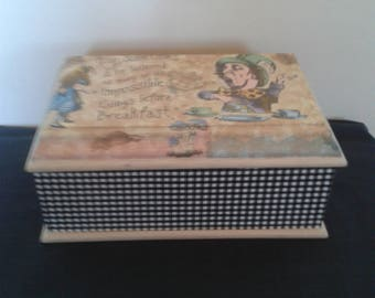 Alice In Wonderland MELE  Jewellery box Jewellery storage OOAK
