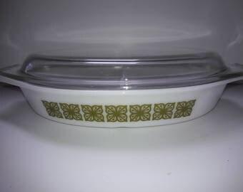 Vintage 1966 Pyrex divided casserole dish, 1.5 quart, Autumn Floral Verde, square flower design,