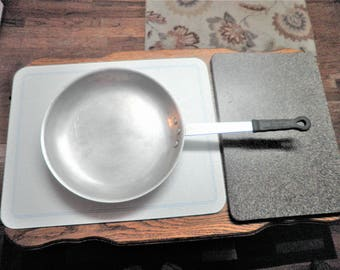 Vintage Heart Land Restaurant Equipment FPNF 12 pan