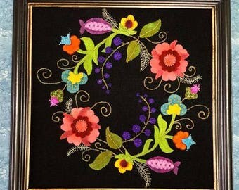 Wool Applique Jacobean Wreath ePattern White Oak Ridge Designs