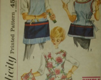 Simplicity 3206  Size 10-12 Accessories  Apron Sewing Pattern Easy Craft Project  Full Bib Apron Wide Neckline Man's Apron
