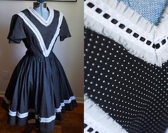 Large / Extra Large - Wonderful Vintage Black and White Full Skirt Dress