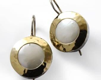 Pearl gold earrings, Round stone Earrings, White wedding earrings, everyday earrings, For woman, Two tones earrings, hammered gold earrings