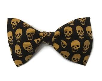Boys Halloween bow tie, black bow tie, trick or treat, scary bow tie, fabric bow tie, skull bow tie, preppy toddler, gold skulls bow tie