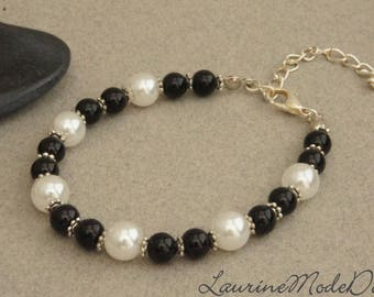 Beads Bracelet glass Pearl White and black beads