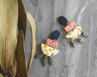 Polymer Clay Earrings, Hand-painted Earrings, Dangle Earrings, Clay Earrings,  Statement earrings, Floral design, Daisy