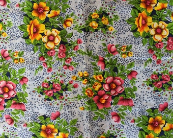 Vintage Soviet Linen Fabric, Russian Big Flowers Retro Fabric