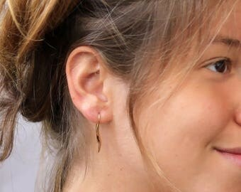 SUMMER SLE Dangle Wave Earrings, Gold Dangle Earrings, Wavy Earrings, Wavy Gold Earrings, Wavy Gold Hook Earrings