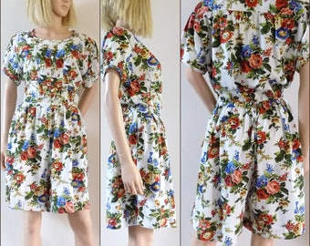 Womans floral romper playsuit Rene Derhy French cream floral shorts dress romper size medium