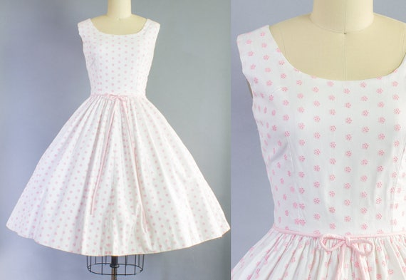 1950s Pink and White Cotton Dress | Small (34B/25W)