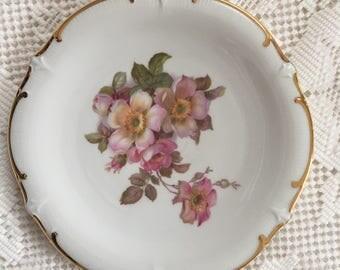 Wild Rose Salad Dessert Plate, Schumann Salad Dessert Plate, E & R 1886, White And Pink China, Pink Roses, Schumann Arzberg Germany Plate