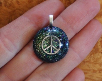 Small Peace Sign Symbol Ocean Green Blue Purple Crystal Ormus Orgone Energy Harmonized Pendant Necklace 17mm Unisex Moldavite Quartz Citrine