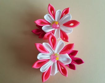 Gorgeous handmade kanzashi girls toddler baby hair clips bow.Grosgrain ribbon white pink .Hair accessory.