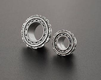 Unique Silver Feather Ear Gauges . 6g 2g 0g 00g 000g unique ear gauges. ear plugs. silver plug earrings. tunnel plugs. ear tunnels