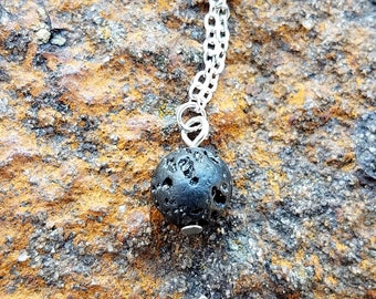 Lava Stone Diffuser Necklace Lava Stone Essential Oil Diffuser Necklace Aromatherapy Necklace with Chain Minimalist Lava Stone Necklace