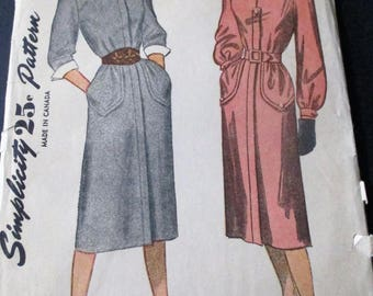1940's Simplicity Pattern 2137 Misses' Dress Detachable Cuffs Size 14 Cut
