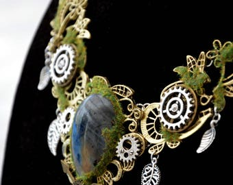 """Géologhia"" Steampunk Necklace: Labradorite"