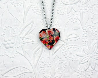 Puffy Heart Photo Necklace with Image of red Tulips