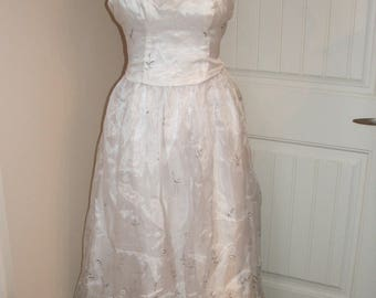 Niki Livas WEDDING Bridal GOWN DRESS, Zum Zum, Strapless, Corset Back, Size 9-10, White with Silver Grey Floral Design (#1J)