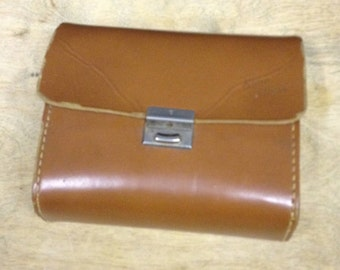Vintage Leather Shoe Shine Case - Very Collectable.