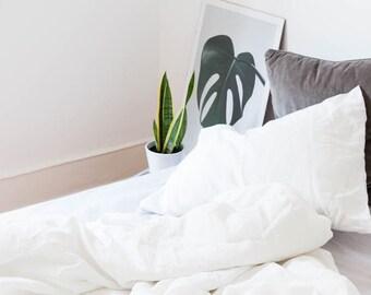 Foam. 3-Piece linen bedding set. Linen duvet cover and 2 pillowcases. White. US Full, US Queen, US King, Euro size